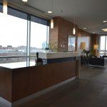 CANADAWIDE : comptoir de réception et panneaux muraux (lambris)