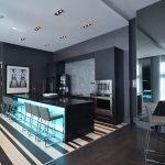 LE PETERSON : armoire de cuisine, comptoir bar et panneaux muraux (lambris)
