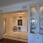 Portes et cadres, présentoirs et panneaux muraux (lambris), laqués blanc
